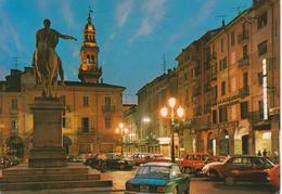 CASALE MONFERRATO Notturno Piazza Mazzini Con Auto D'epoca Car Voiture ALFA ROMEO GIULIA GT RENAULT 4 FIAT 500 - Italia