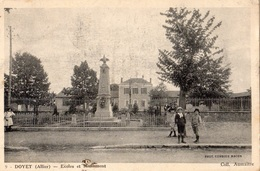 DOYET ECOLES ET MONUMENT - Otros Municipios