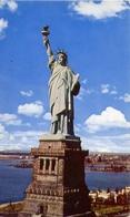 Statua Of Liberty - New York Bay - Formato Piccolo Viaggiata – E 9 - Cartoline