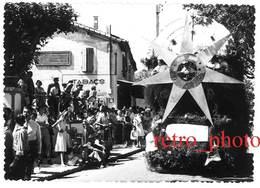 Photo Fêtes De Saint Etienne Du Grès ( Bouches Du Rhône, 13 ), Cavalcade, Corso, Char Santo Estello - Photos