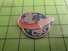 410f Pins Pin's / Rare & De Belle Qualité  THEME ESPACE / LA CSG DANS LA LUNE ? NAVETTE SPATIALE GLOBE TERRESTRE - Espace