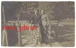 Cpa Carte-photo Voiron - Couple Sur Pont De Bois, Vélo - Voiron