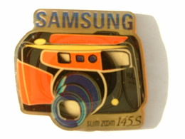 PIN'S PHOTOGRAPHIE - APPAREIL PHOTO SAMSUNG 145S - Photography