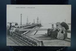 Carte CPA Saint Nazaire L'Estacade Sud Promeneurs Ombrelles - Saint Nazaire