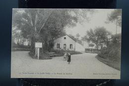 Carte CPA Saint Nazaire Le Jardin Public La Maison Du Gardien - Saint Nazaire