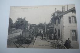COMBREUX  LA  GARE  ARRVEE  DU  TRAIN  GROS  PLAN - France