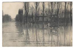 La Banlieue Parisienne Inondée (Crue De Janvier 1910) SEVRES Le Kiosque De La Musique (Pub KUB) - Sevres