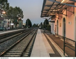 01  ST  ANDRE  De  CORCY  ... Les  Quais De La  Gare - Other Municipalities