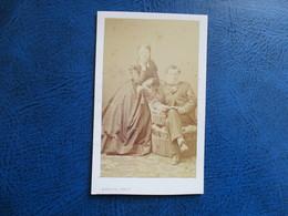 CDV ANCIEN 1840-1860 COUPLE BOURGEOIS PHOTO BARON 59 DUNKERQUE - Anciennes (Av. 1900)