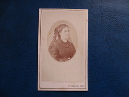 CDV ANCIEN 1840-1860 FEMME COIFFE VOILE  PHOTO CHANONY 34 MONTPELLIER - Anciennes (Av. 1900)