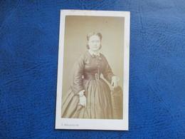 CDV ANCIEN 1840-1860 JEUNE FEMME PHOTO MALARDOT 57 METZ - Anciennes (Av. 1900)