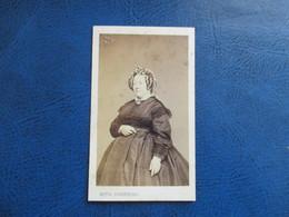 CDV ANCIEN 1840-1860 FEMME COIFFURE  PHOTO NESTOR SCHAEFFERS BELGIQUE GAND - Anciennes (Av. 1900)