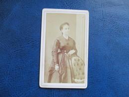 CDV ANCIEN 1840-1860 JEUNE FEMME PHOTO AUDON 34 MONTPELLIER - Anciennes (Av. 1900)