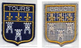 Ecusson Brode De TOURS - Tissu   (110649) - Advertising