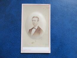 CDV ANCIEN 1840-1860 HOMME  PORTRAIT  PHOTO CARETTE 59 LILLE - Anciennes (Av. 1900)