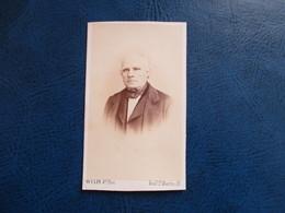 CDV ANCIEN 1840-1860 VIEIL HOMME  PORTRAIT  PHOTO WULFF 75 PARIS - Anciennes (Av. 1900)
