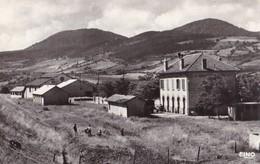 LE MONASTIER SUR GAZEILLE - Plateau De La Gare Et Les Monts Breysse - Bâtiments De La S.N.C.F. - Andere Gemeenten