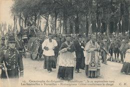 AL 993 / CPA  VERSAILLES   (78)   CATASTROPHE DU DIRIGEABLE REPUBLIQUE  LES FUNERAILLES A VERSAILLES  M GIBIER - Versailles