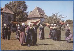 Danseurs Et Chanteurs De L'ECOLE AUVERGNATE D'AURILLAC  La Danse Du Foulard - Aurillac