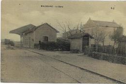 13 MAUSSANE . La Gare Animée , Toilée , Colorisée , édit : C J , écrite En 1915 , état Extra - Autres Communes