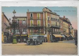 13 AUBAGNE . La Place Pasteur , Le Vieux Car Gazo , édit : A Tardy Marseille ,écrite  Années 30 , état Extra - Aubagne