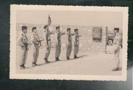 (Milit.) Poste S/Lt Leccia - Algérie - Militaires Présentant Les Armes - PHOTO Non Datée - Barracks