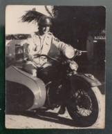 () Militaire Sur Un Side-Car  - PHOTO Prise à Tourane En Avril 1952 - Motos