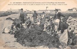 ¤¤  -  LE CROISIC  -  Fabrication De La Bouse , Pour Le Chauffage Des Fermiers  -  Bousats   -  ¤¤ - Le Croisic