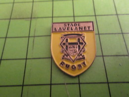 410f Pins Pin's / Rare & De Belle Qualité  THEME SPORTS / RUGBY CLUB STADE LAVELANET - Rugby