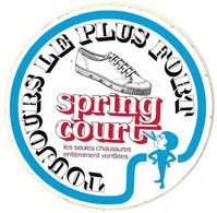 Autocollant - Chaussures - SPRING COURT - Toujours Le Plus Fort - Diamètre 10 Cm - - Stickers