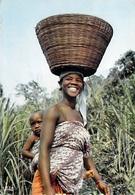 Afrique En Couleurs JEUNE MAMAN (sourire Africain-bébé) (HOA-QUI 5028)  *PRIX FIXE - Cartes Postales