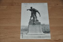 6762- BRUXELLES  BRUSSEL - MONUMENT DES LUTTEURS - Belgique