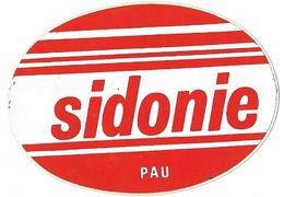 Autocollant - SIDONIE - PAU (64)  - 9 X 6,5 Cm - Stickers