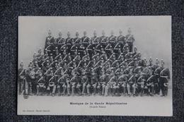 Musique De La Garde Républicaine, Grande Tenue. - Regiments