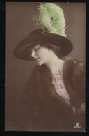 SERIE 3 CPA * JEUNE FEMME * JOLIE CHAPEAU * 1913 - Femmes