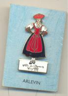 ARLEVIN 1999 FOLC COSTUME - Games