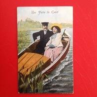 JCF. 397. Couple Dans Un Canot Sur Une Rivière. - Couples