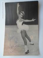 D162516  Regine Heitzer  österreichische Eiskunstläuferin, Fiugre Skater -Skating Skate - Winter Sport  Ca 1960-64 - Autographes
