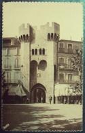 04 CP - MANOSQUE  Porte Saunerie (animée) Ed. FOURNIER - Manosque