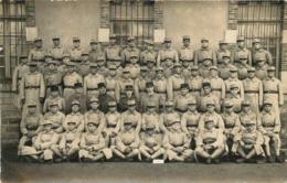 CARTE PHOTO GROUPE DE SOLDATS REGIMENT N°14  KEPIS - Regiments