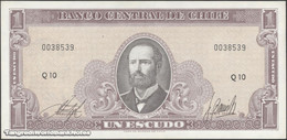 TWN - CHILE 136b - 1 Escudo 1964 Serie Q 10 - Signatures: Inostroza & Barrios UNC - Chili