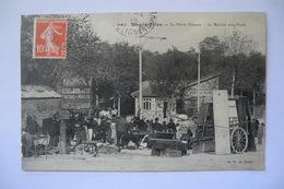 CPA 75 PARIS MONTMARTRE. Montmartre, La Porte Ornano, Le Marché Aux Puces. Arrondissement 18. 1910. - Arrondissement: 18