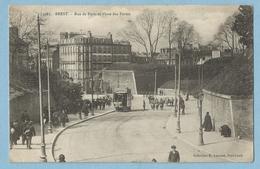 F0171  CPA   BREST  -  Rue De Paris Et  Place Des Portes  -  Tramway   ++++++++ - Brest