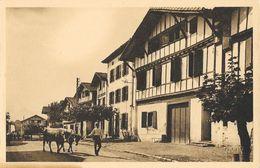 Le Pays Basque - Aïhoa (Basses-Pyrénées) - La Grande Rue Du Village - Carte Yvon N° 32 Non Circulée - Ainhoa
