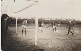 C P A - PHOTO - STADE DE FOOTBALL - SAINT LAURENT DU VAR ? - Fútbol