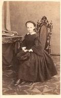 Photographie Ancienne Par R. Severin à La Haye/ Den Haag, Photographe Du Roi, Portrait De Jeune Fille, Photo Cdv Ca 1870 - Anciennes (Av. 1900)