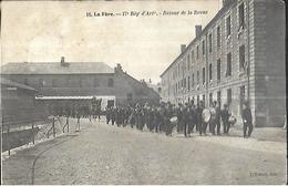 02    LA FERE 17 Eme Régiment D'artillerie, Retour De La Revue - Regiments
