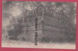 CAMBODGE---ANGKOR THOM--Cimean-Acas--Le Palais En Ruines - Cambodge