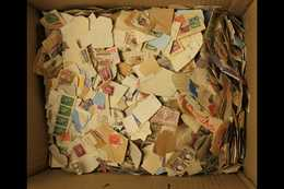 """BRITISH COMMONWEALTH - KILOWARE A Chiefly """"on Paper"""", 1kg Pre QEII, Unchecked Mixture In A Small Box. Flicking Through W - Unclassified"""