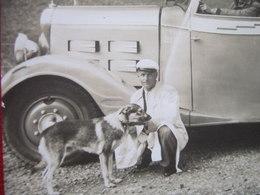 """65 - LOURDES - CARTE PHOTO - """" AUTOCAR S. L. A . LOURDES - CHIEN POUR LA POSE....""""  RARE """" - - Capbreton"""